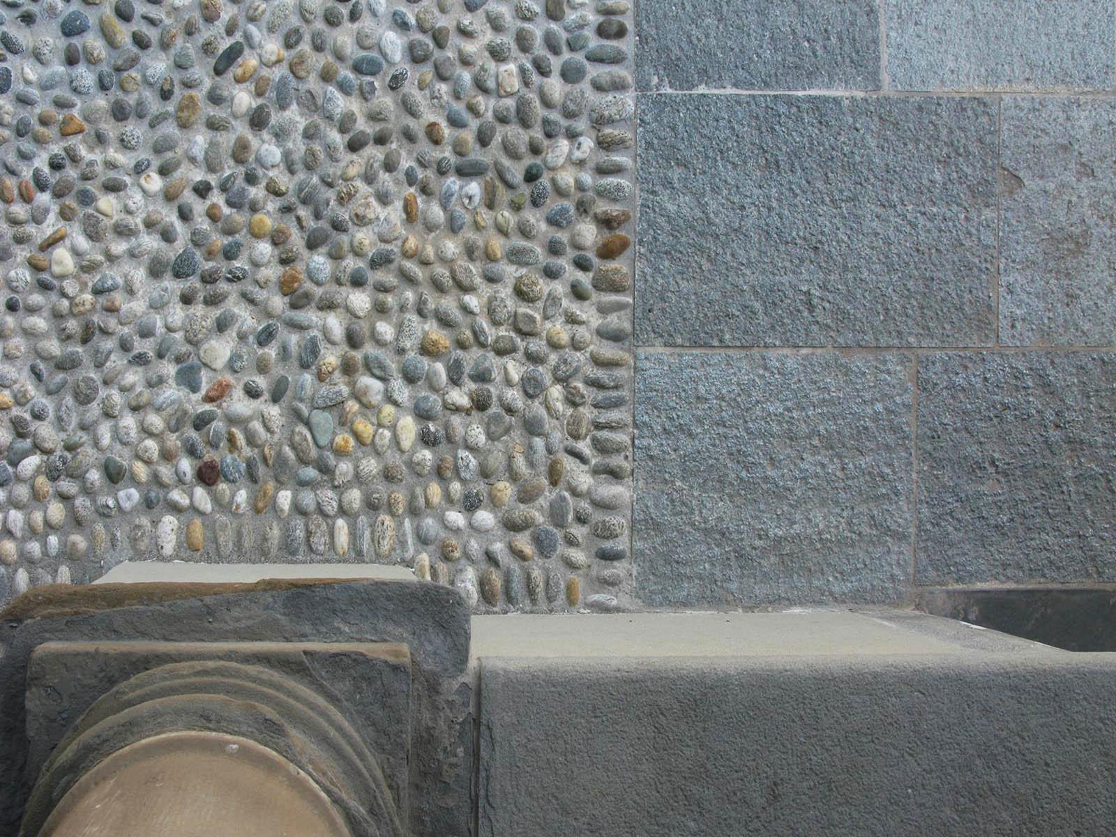 [30] Al cospetto del Santuario - attività e luoghi pubblici, arenaria, pietra di luserna, selciato, pietra di sarnico, pietra di luserna blu, selciato tondo, lastricato, acciottolato